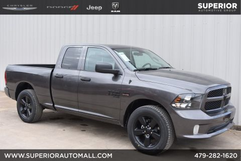 New 2019 RAM 1500 Classic Express 4WD Crew Cab